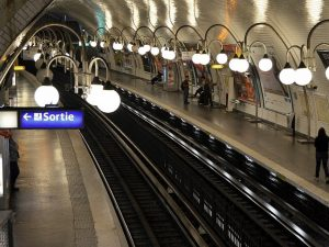 Naming Metro stations in Paris