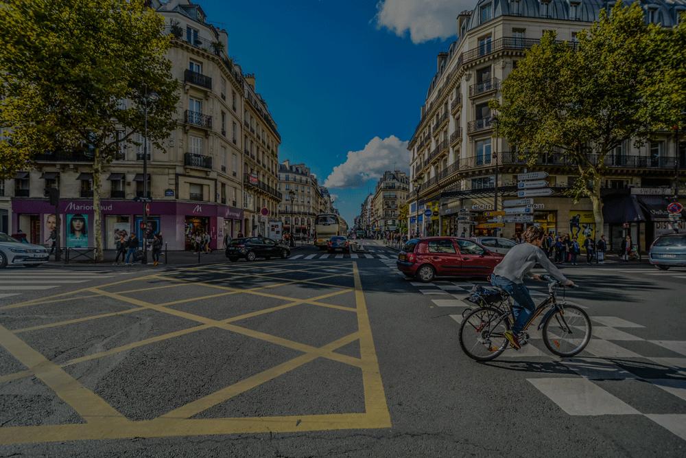 France hub bike in road